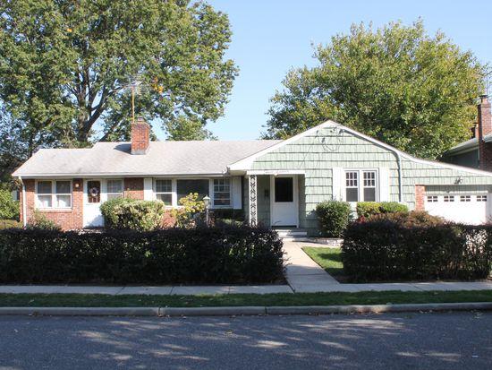 316 Harvard Rd S, Garden City, NY 11530