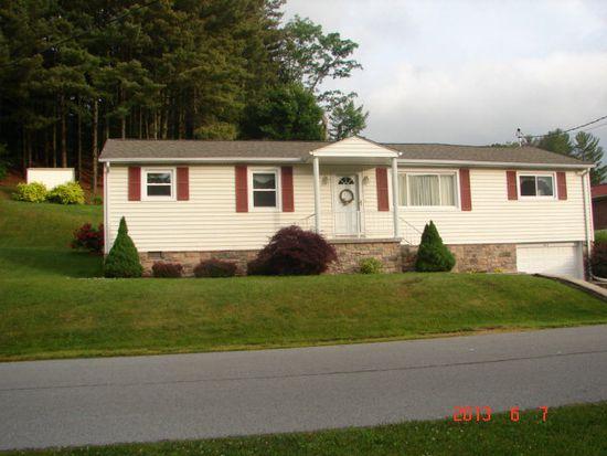 302 Parkdale Dr, Bluefield, VA 24605