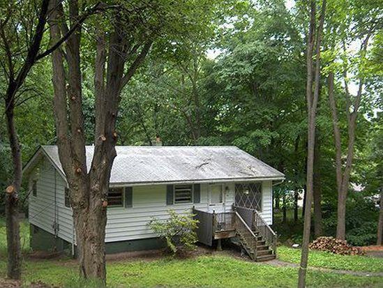 1011 Scenic Dr, Oak Ridge, NJ 07438