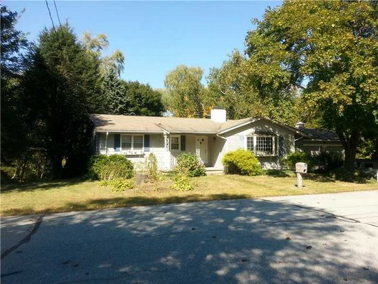 7 Duxbury Ct, Lincoln, RI 02865