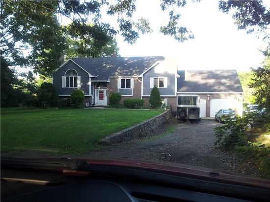 7 1/2 Taylor Rd, Johnston, RI 02919