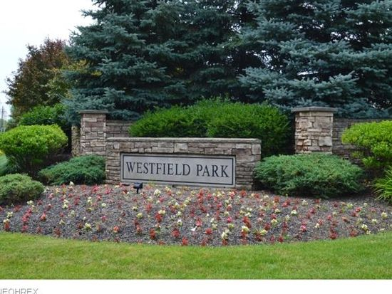 8537 Bentley Dr, Olmsted Twp, OH 44138