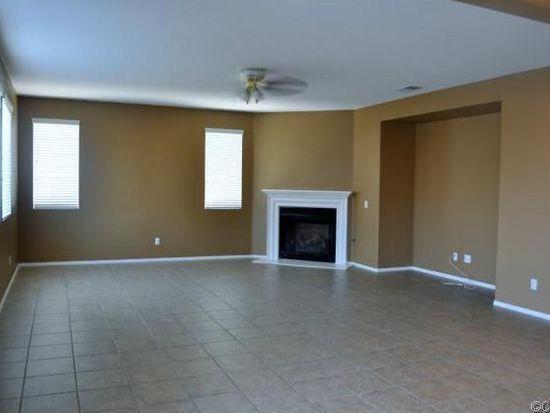 566 Sandalwood St, San Jacinto, CA 92582