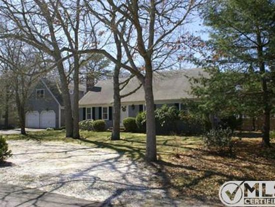 3 Carrie Ln, South Yarmouth, MA 02664