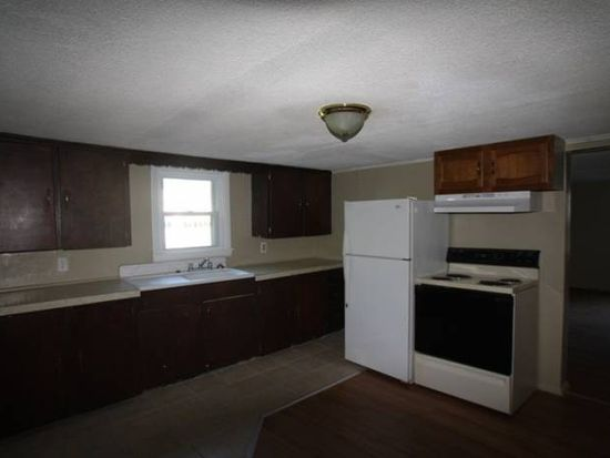 16 Western Ave, Waterville, ME 04901