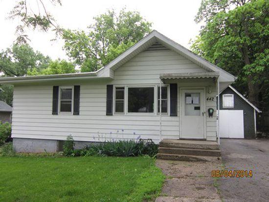 442 Center St, Woodstock, IL 60098
