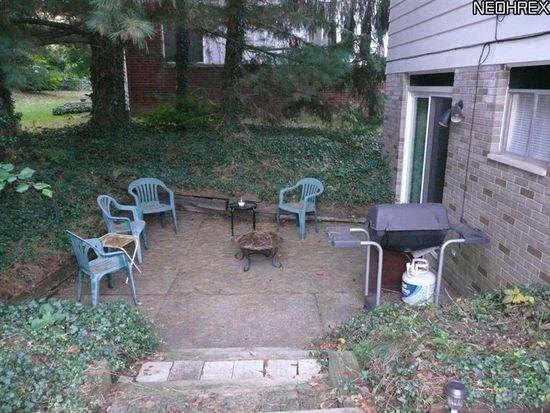 456 Sandhurst Rd, Akron, OH 44333