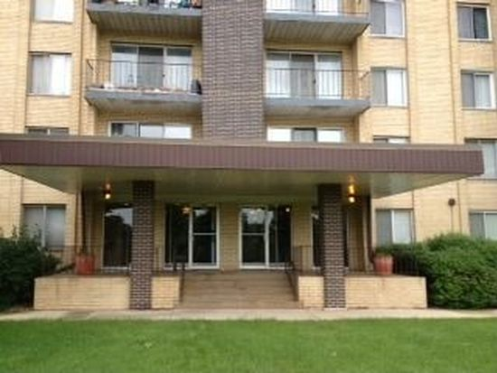 5400 Walnut Ave APT 311, Downers Grove, IL 60515