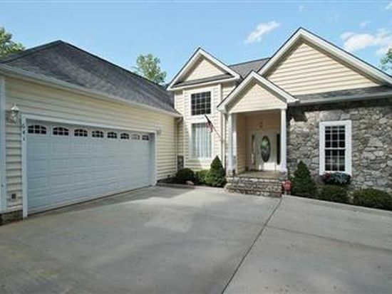 641 Country Oak Rd, Penhook, VA 24137