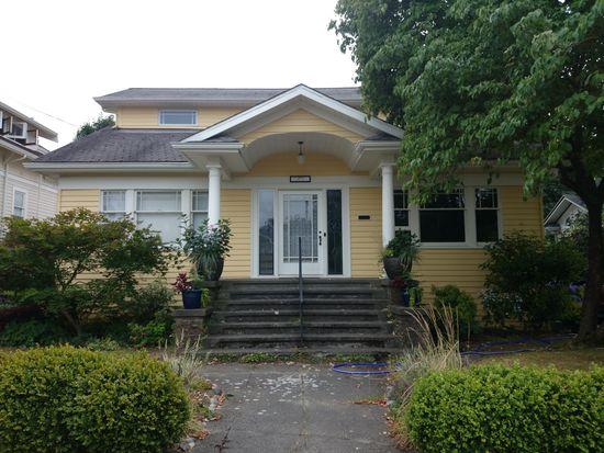 2331 N 56th St, Seattle, WA 98103