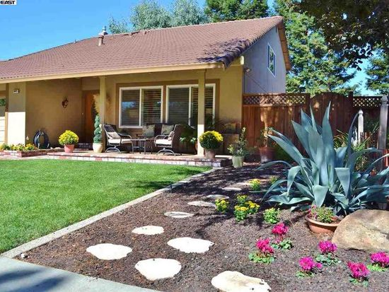 5027 Woodthrush Rd, Pleasanton, CA 94566