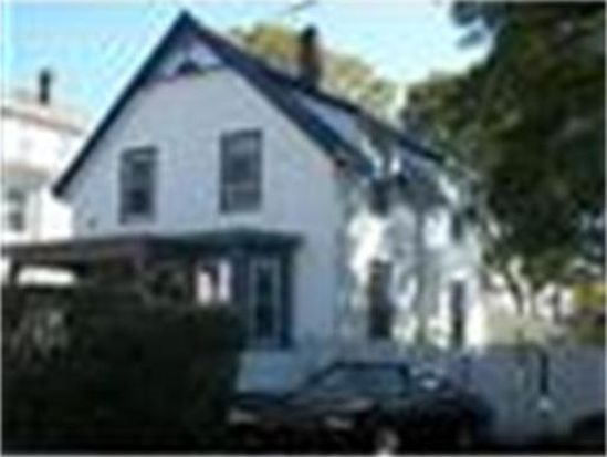 47 Sylvia St, Lynn, MA 01904