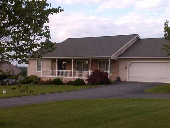 20 Skyview Dr, Quarryville, PA 17566