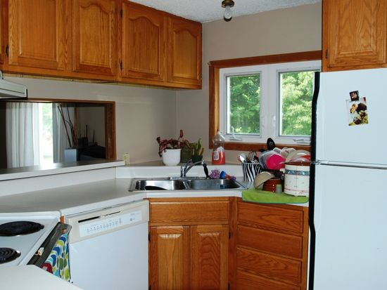 504 6th Ave S, Brookings, SD 57006