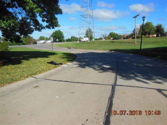 202 Strawberry Hill Estate Dr, O Fallon, MO 63366
