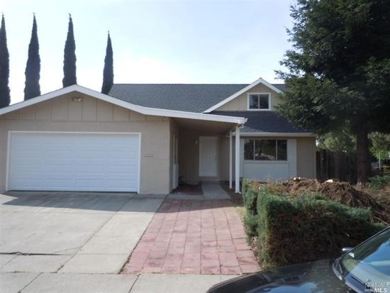 200 Stonyford Dr, Vacaville, CA 95687