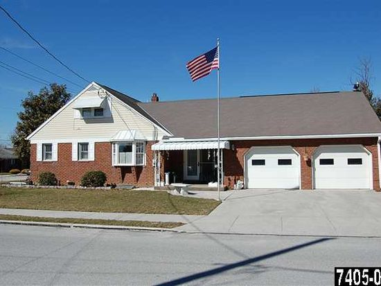 272 Fleming Ave, Hanover, PA 17331