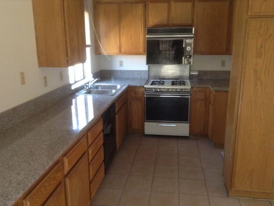 12208 6th Ave, Victorville, CA 92395