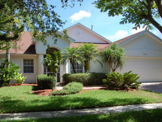 1039 Mainsail Dr, Tarpon Springs, FL 34689