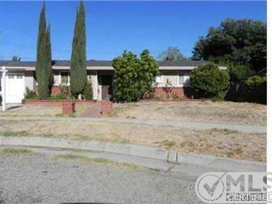 9746 Casaba Ave, Chatsworth, CA 91311