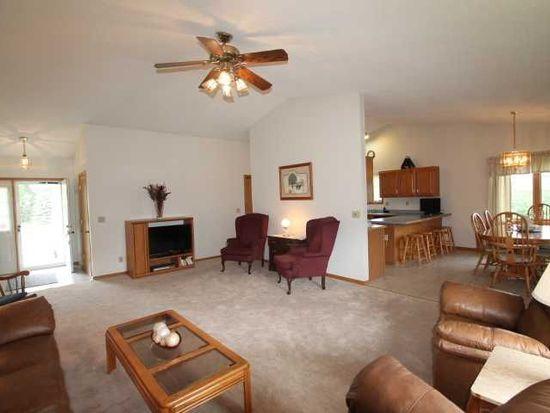 7401 Commune Ct, Cedar Rapids, IA 52411