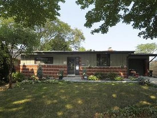710 S Walnut Ave, Arlington Heights, IL 60005