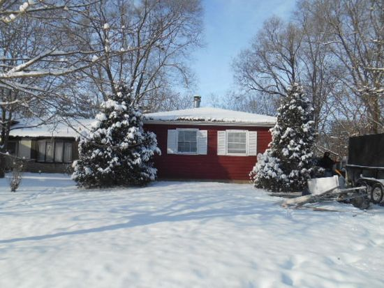 1113 Birch St, Lake In The Hills, IL 60156