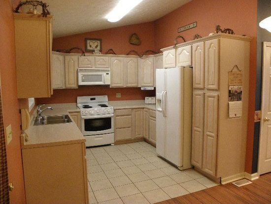208 Skyview Dr, Beckley, WV 25801