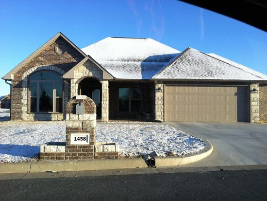 1458 Villa Ct, Fort Gibson, OK 74434