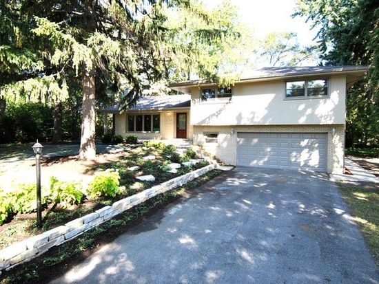 332 39th St, Downers Grove, IL 60515