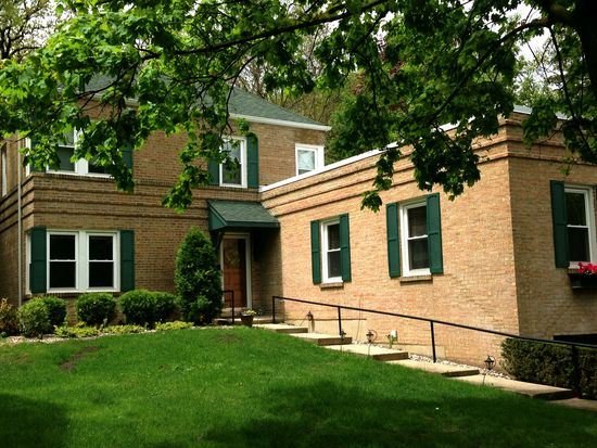 4724 Northcott Ave, Downers Grove, IL 60515