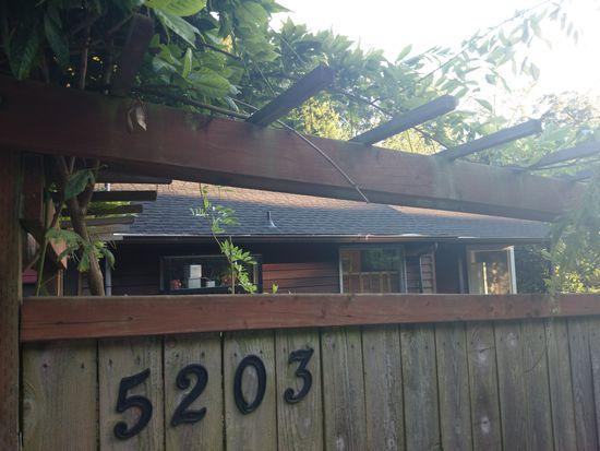 5203 SW Admiral Way, Seattle, WA 98116