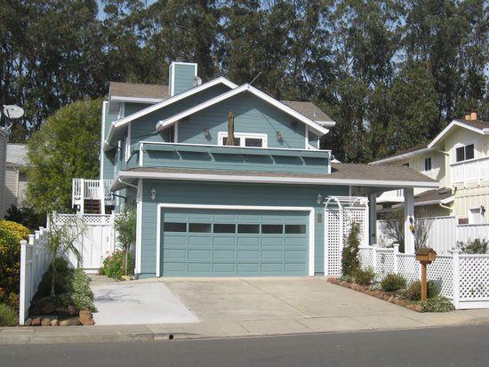 403 Roosevelt Blvd, Half Moon Bay, CA 94019