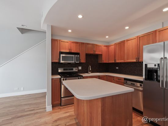 2306 W Bloomingdale Ave APT D, Chicago, IL 60647