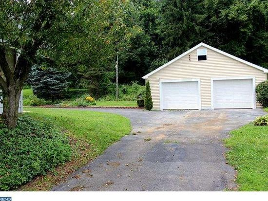 489 Hunters Rd, Mohnton, PA 19540