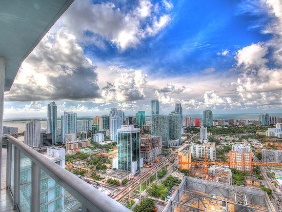 185 SW 7th St APT 4210, Miami, FL 33130