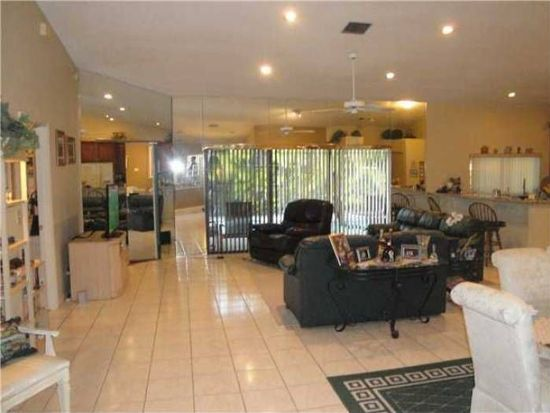 9505 NW 25th Ct, Coral Springs, FL 33065