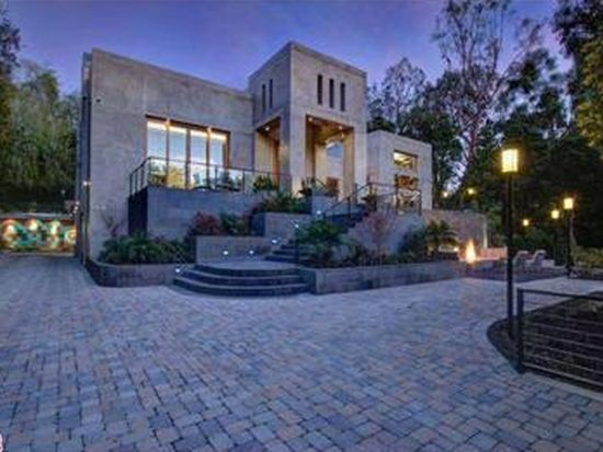 142 S Canyon View Dr, Los Angeles, CA 90049