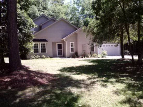 216 Lord Granville Dr, Morehead City, NC 28557