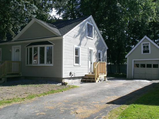 10 Sheltra Ave, Biddeford, ME 04005