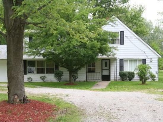8689 Stearns Rd, Olmsted Twp, OH 44138