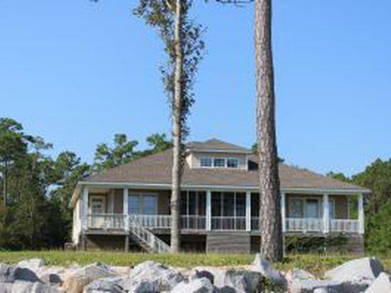 522 Sandy Point Dr, Beaufort, NC 28516