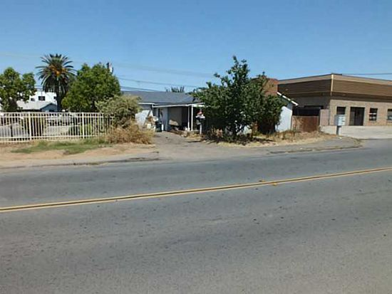 811 D St, Ramona, CA 92065