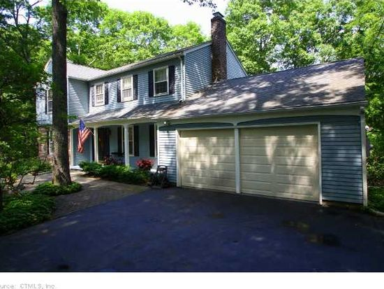 50 Robinhood Dr, Gales Ferry, CT 06335