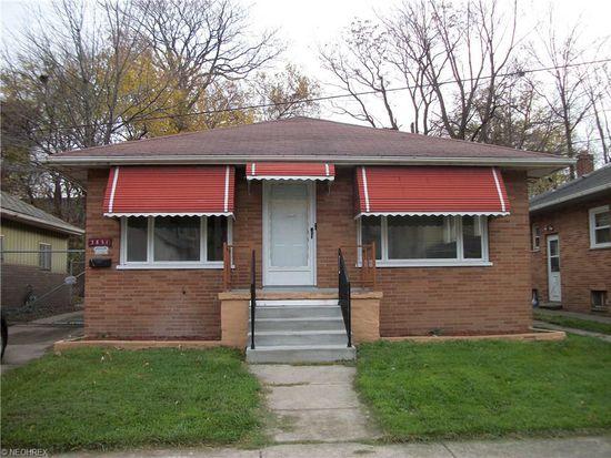 3851 E 52nd St, Newburgh Heights, OH 44105