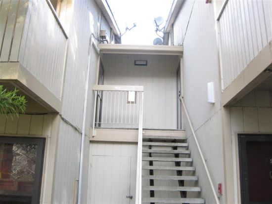 404 Boardwalk Ave APT 10, San Bruno, CA 94066