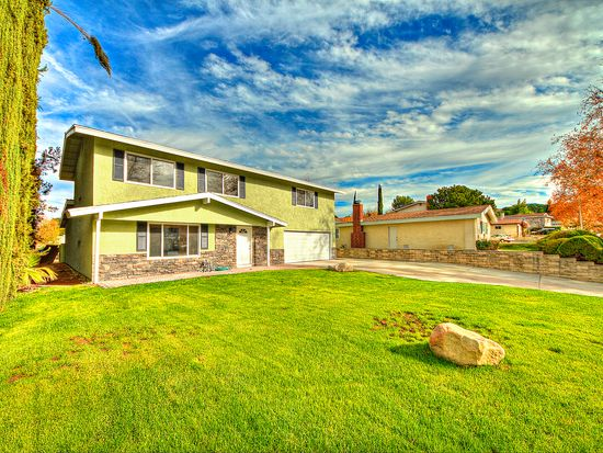 26624 Whispering Leaves Dr, Newhall, CA 91321