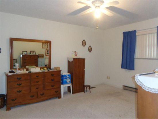 322 Ridgewood Dr, Beaver, WV 25813