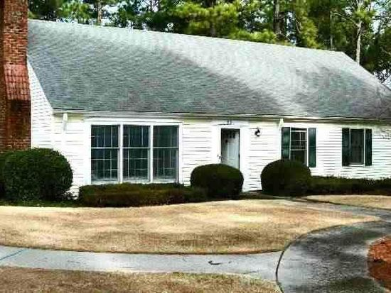55 Village Green Cir, Southern Pines, NC 28387