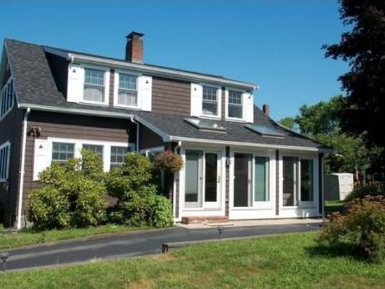 28 Haskell St, Gloucester, MA 01930